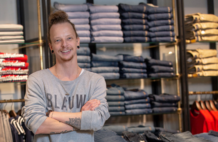 Interview jeans specialist Timothy in Alkmaar